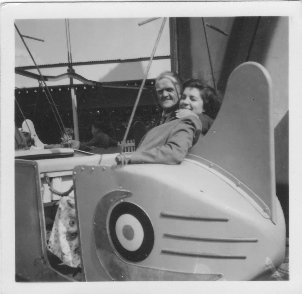 Gressenhall photos - Beryl Hammond & Little Freddie.jpg (967px x 940px)
