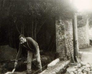 Bulding the cobblestone wall